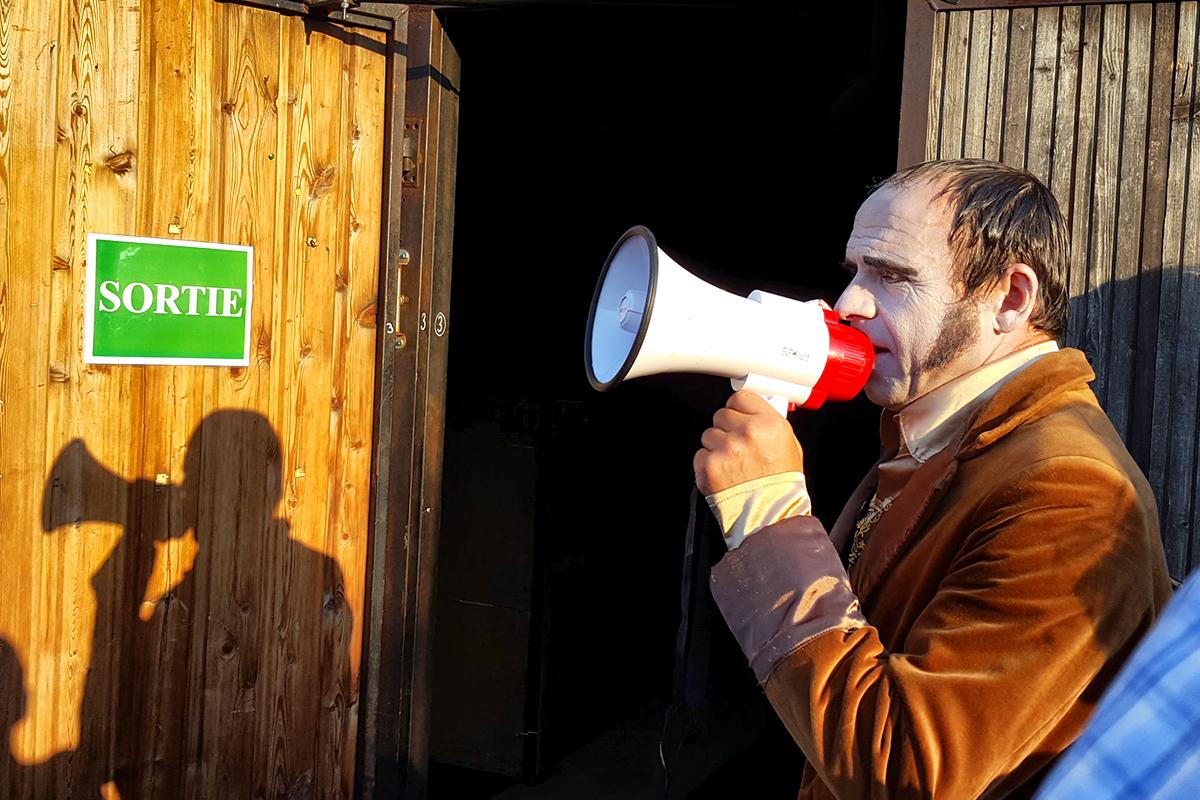 Divadlo bratří Formanů přineslo na Smíchov Divoký západ