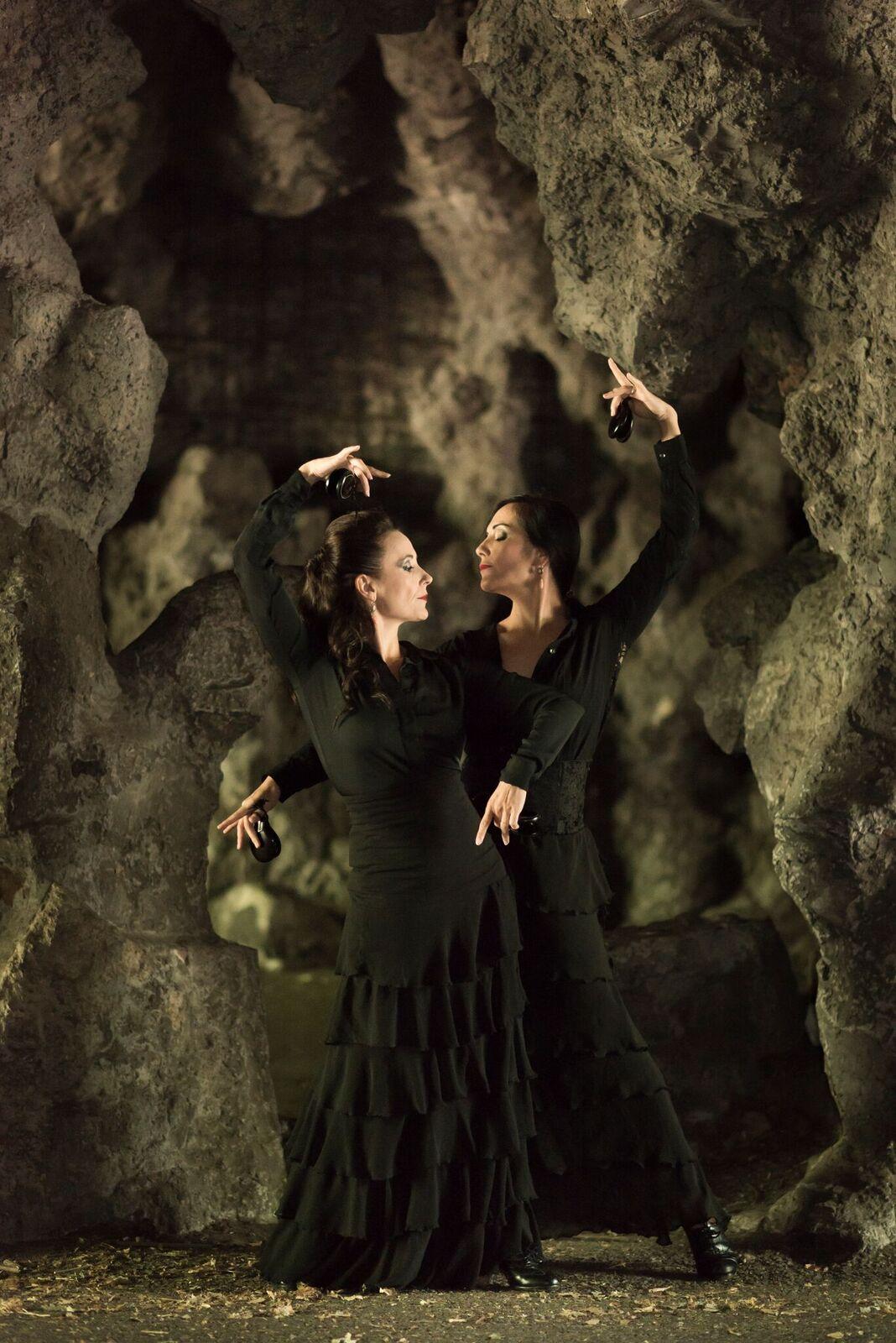 IRENE ALVAREZ & VIRGINIE DELGADO: Snění o Carmen