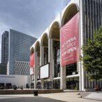 Největší operní hvězdy Metropolitní opery zazpívají z domova